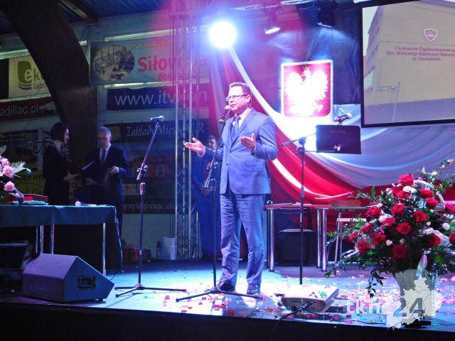 Andrzej Szejna dziękował nauczycielom w imieniu absolwentów.