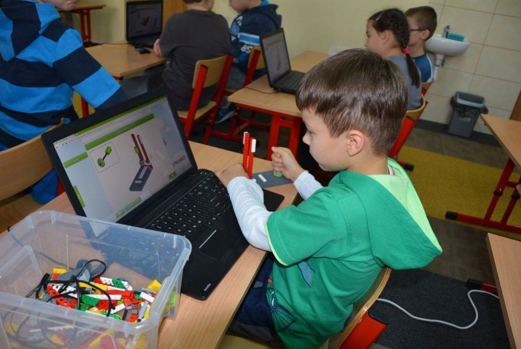 Bajkowa Kraina, Prywatna Szkoła Podstawowa 28