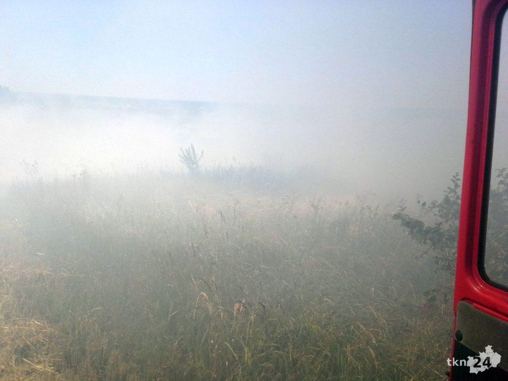 Pożar rżyska w okolicach Sierosławic 01